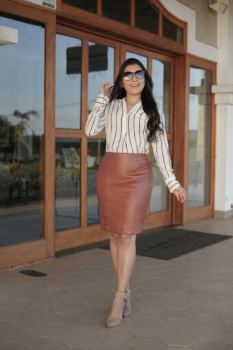 Saia Jany Pim Marrom em Áquila Tauheny Store | Moda Evangélica