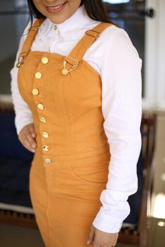 Jardineira Mostarda Titanium em Áquila Tauheny Store | Moda Evangélica