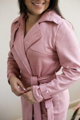 Sobretudo Rose em Áquila Tauheny Store | Moda Evangélica