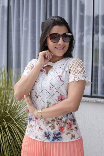 Blusa Crepe Floral em Áquila Tauheny Store | Moda Evangélica
