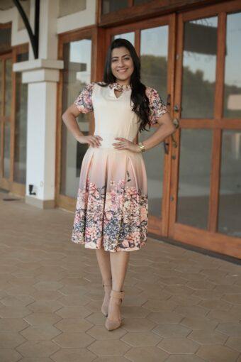 Vestido Floral Godê em Áquila Tauheny Store | Moda Evangélica