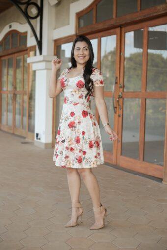 Vestido Malha Godê em Áquila Tauheny Store | Moda Evangélica