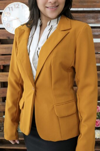 Blazer Social Mostarda em Áquila Tauheny Store | Moda Evangélica