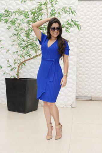 Vestido Tricot Azul Transpassado em Áquila Tauheny Store | Moda Evangélica