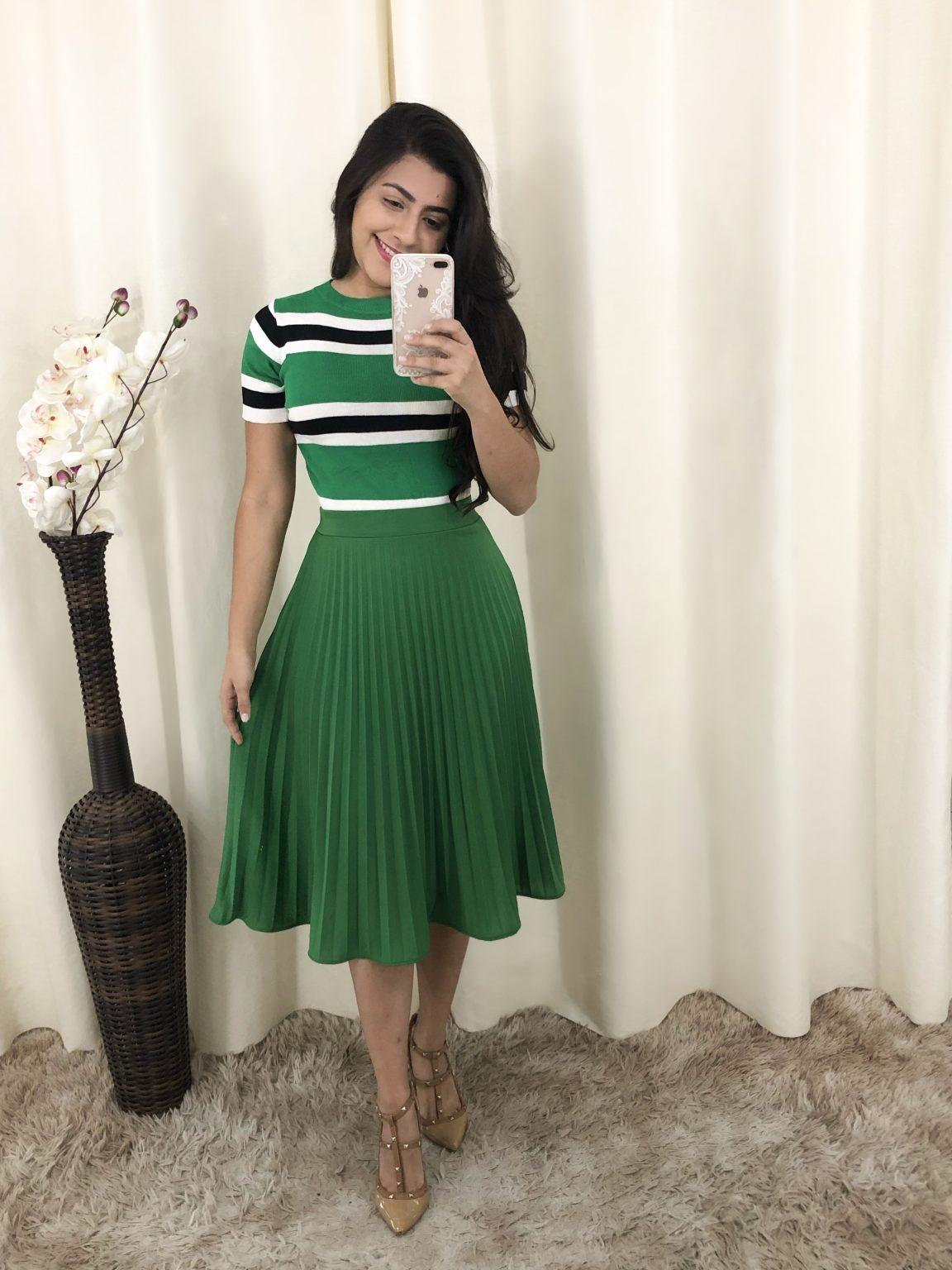 Saia Plissada Verde em Áquila Tauheny Store | Moda Evangélica