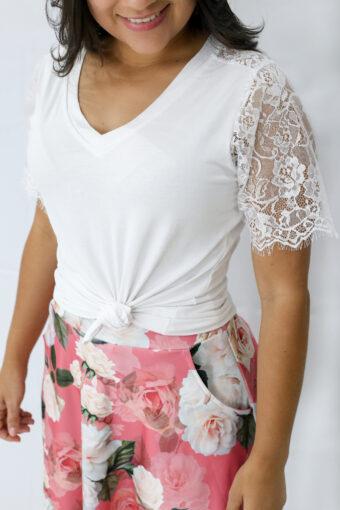 T-shirt Branca Renda em Áquila Tauheny Store   Moda Evangélica