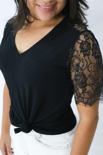 T-shirt Preta Renda em Áquila Tauheny Store | Moda Evangélica
