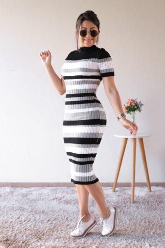 Vestido Tricot Midi Listrado Preto em Áquila Tauheny Store | Moda Evangélica
