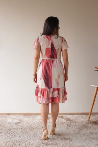 Vestido Floral com Babados em Áquila Tauheny Store | Moda Evangélica