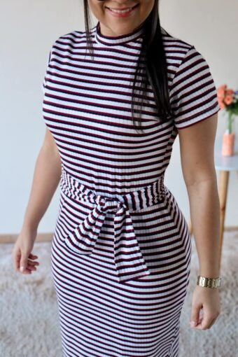 Vestido de Malha Canelada Listrado em Áquila Tauheny Store | Moda Evangélica