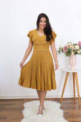 Vestido Tricot Dourado | Moda Evangélica