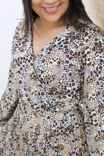 Vestido Plissado Animal Print | Moda Evangélica